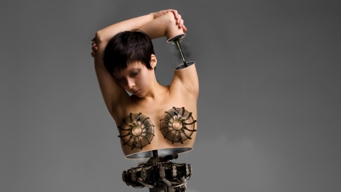 b10c820112ac19b 700x394 Девушка робот   Robot girl