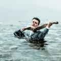 Скрипач в море - Violinist in the sea