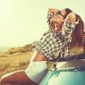 Красивая девушка с машиной - Beautiful girl with a car