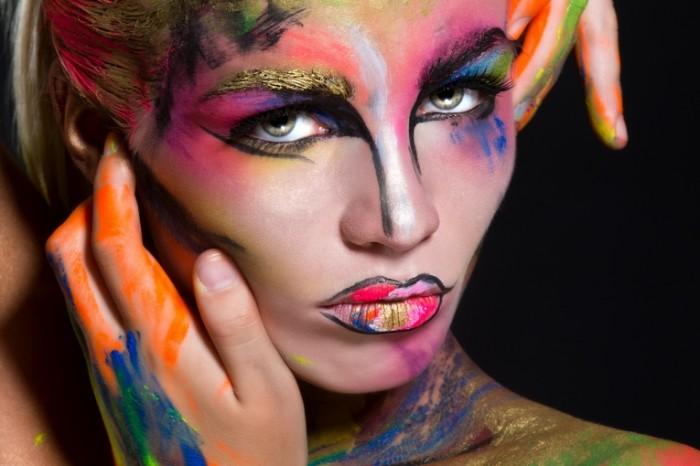 fashion look makeup 700x466 Модный визаж   Fashion make up