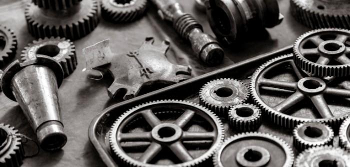 gears metal white and black 700x335 Металлическая шестерня   Metal gears