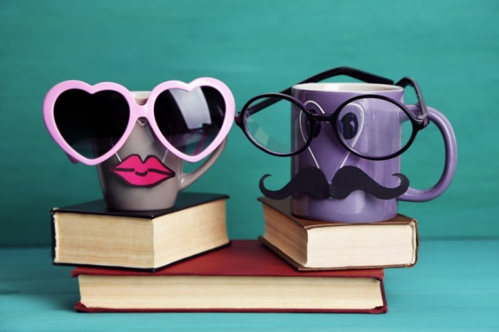 cute funny cup books lips 5134 700x466 Смешные кружки   Funny cups