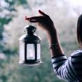 Девушка с фонарем - Girl with a lantern
