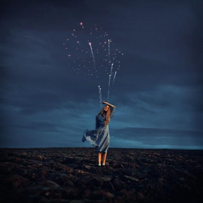 rosie hardy devushka feyerverk 700x700 Фейерверк   Fireworks