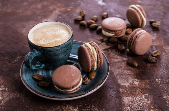 148989023358cdebb9e6dbb6.73732140 700x463 Кофе и макаруны   Coffee and macarons