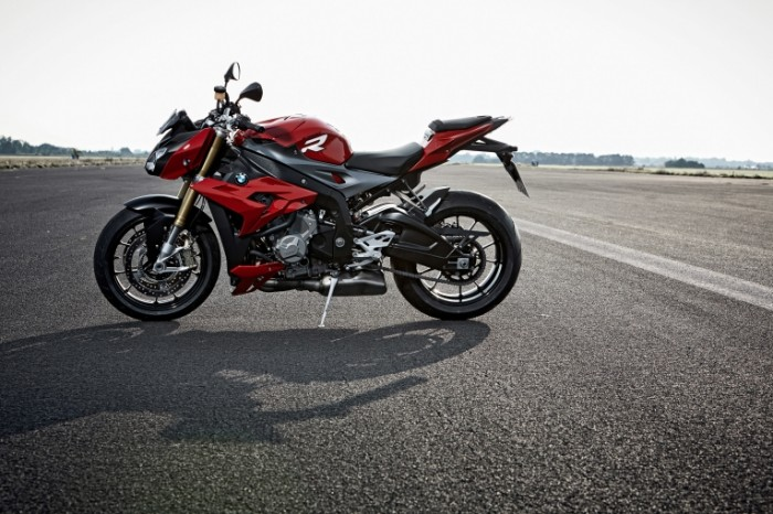 2014 bmw s 1000 r motorcycle 1549 700x466 Мотоцикл   Motorcycle
