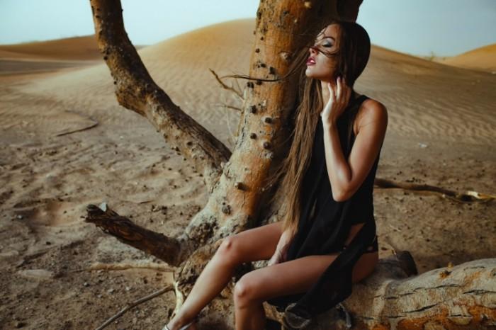 chromatropic strast devushka 700x466 Девушка в пустыне   Girl in desert