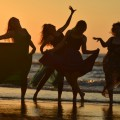 Девушки на пляже - Girls on the beach