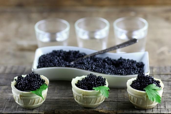 eda zakuska ikra korzinochki 700x466 Черная икра   Black caviar