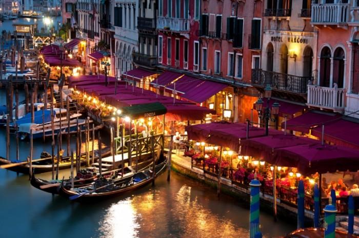italiya veneciya bolshoy kanal 700x464 Италия   Italy