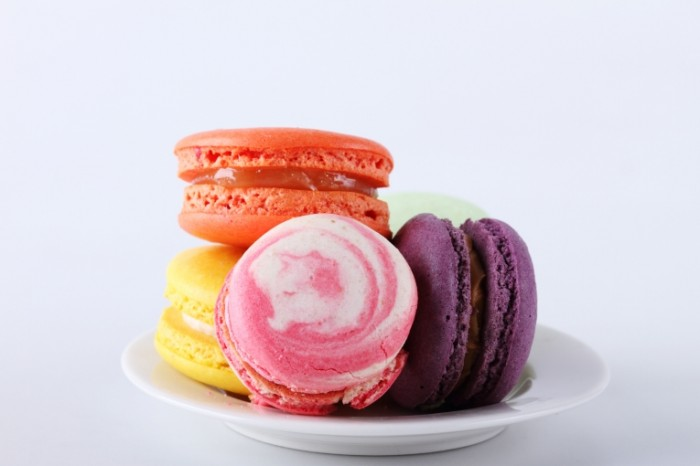 macaron almond cookies 705 700x466 Макарон   Macaron
