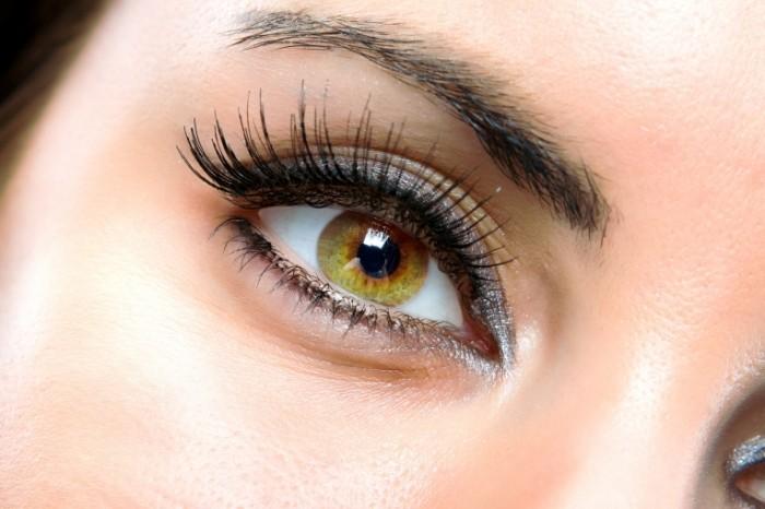makeup woman eyes 700x466 Мейк ап   Make up