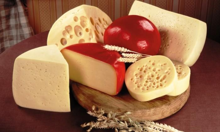 syr sorta raznye doska 700x420 Сыр   Cheese