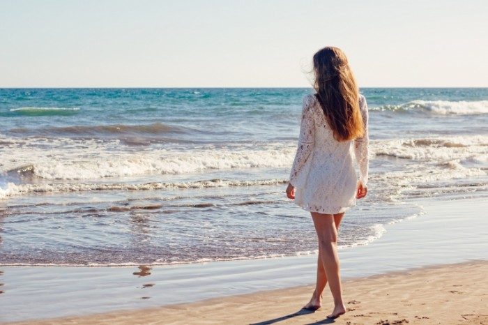 Devushka i more Girl and sea 700x466 Девушка и море   Girl and sea