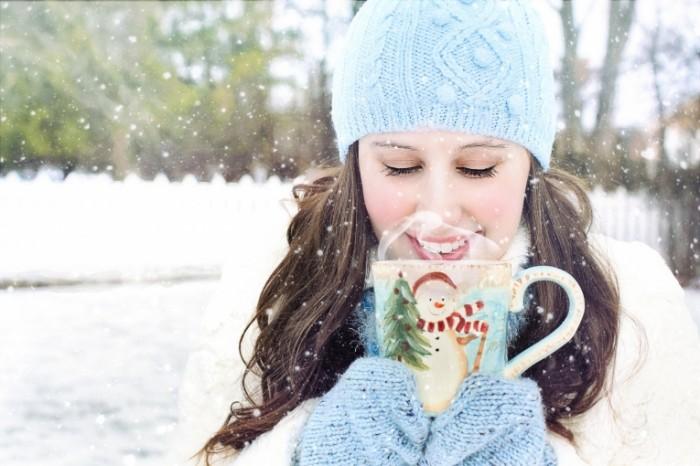 Devushka i zima Girl and winter 700x466 Девушка и зима   Girl and winter