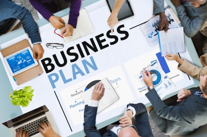 business plan meeting 700x463 Бизнес план   Business plan