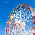 Колесо обозрения в парке развлечений - Ferris wheel at amusement park