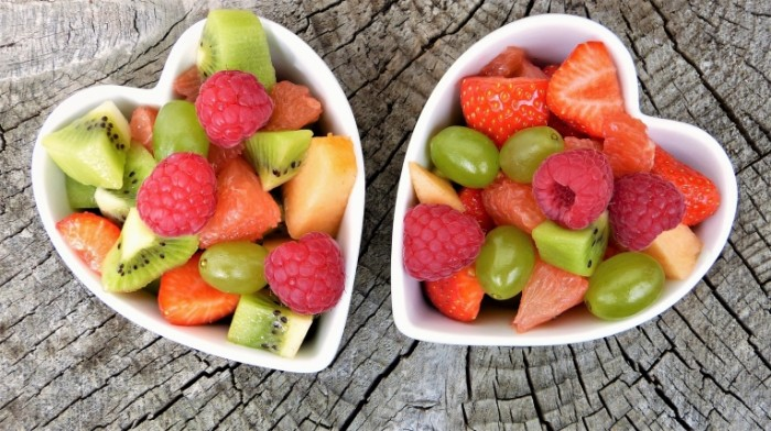 Letnee blyudo iz fruktov Summer dish of fruit 700x392 Летнее блюдо из фруктов   Summer dish of fruit