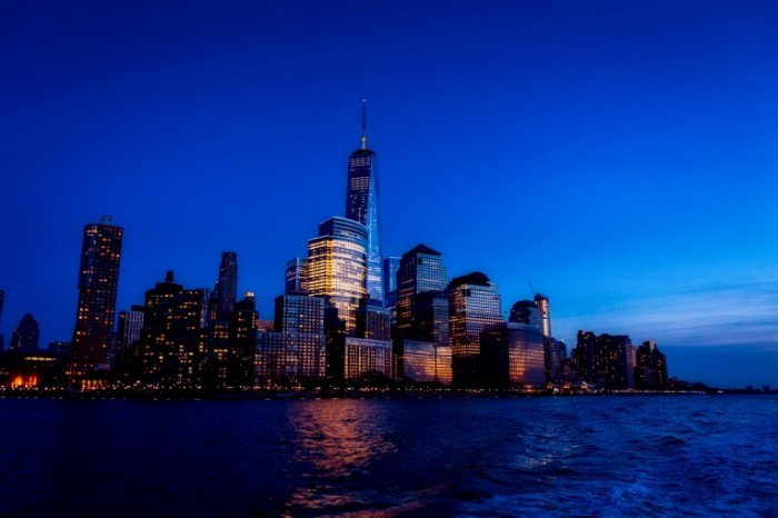 Nyu York nochnoy gorod New York night city 700x466 Нью Йорк ночной город   New York night city