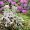 Статуя в саду - A statue in the garden