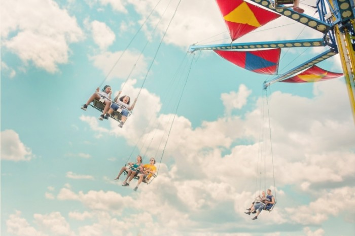 Attraktsion Amusement 700x466 Аттракцион   Amusement
