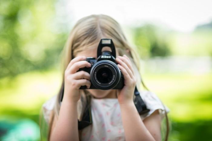Devushka i fotoapparat Girl and Camera 700x466 Девушка и фотоаппарат   Girl and Camera