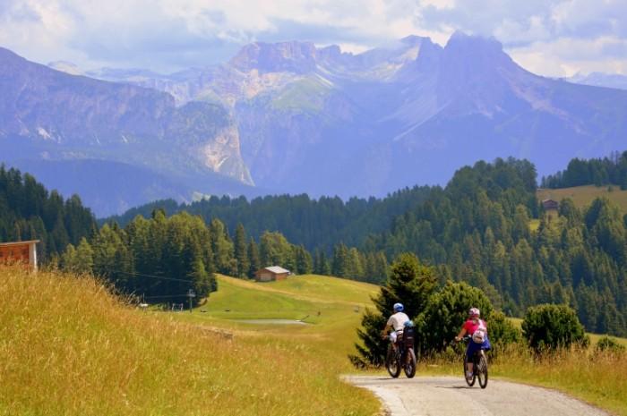 Goryi peyzazh velosiped Mountains landscape bicycle 700x465 Горы, пейзаж, велосипед   Mountains, landscape, bicycle