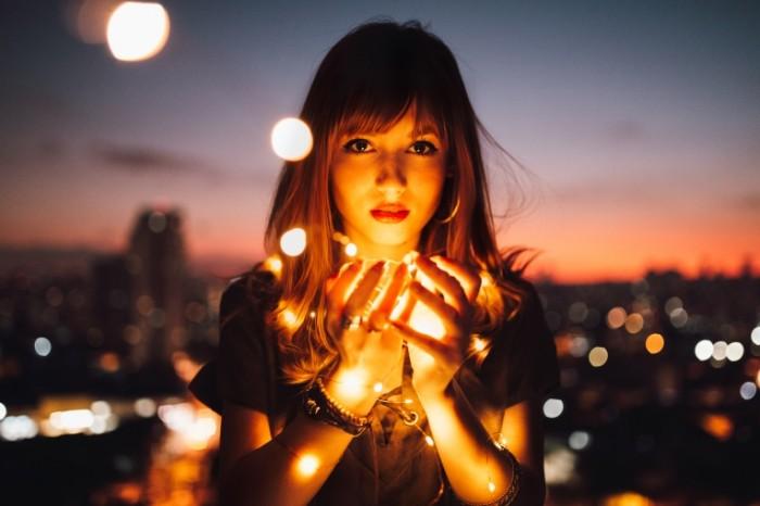 Девушка с огоньками   Girl with lights