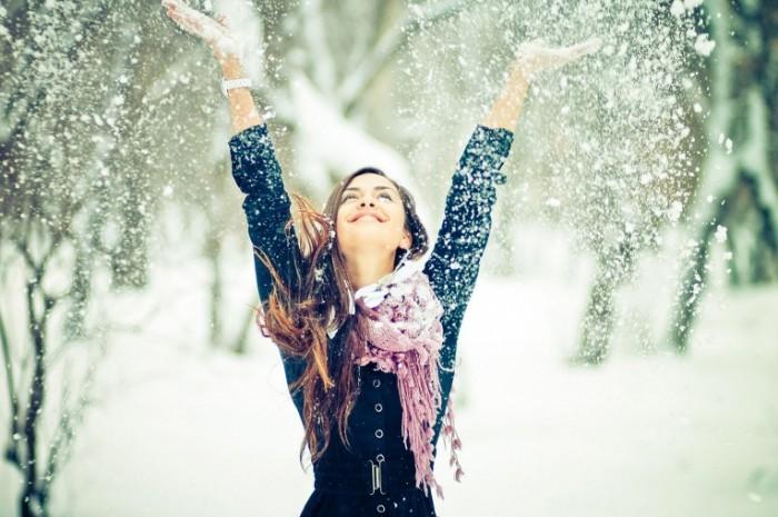 Devushka sneg Girl snow 5000x3333 700x465 Девушка снег   Girl snow