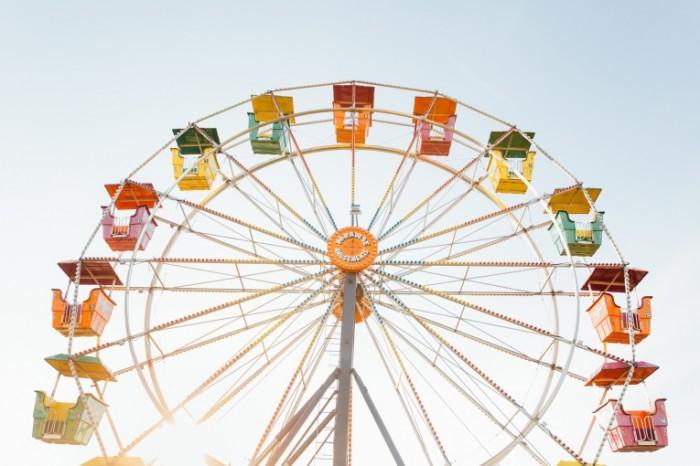 Koleso obozreniya Ferris wheel 700x466 Колесо обозрения   Ferris wheel