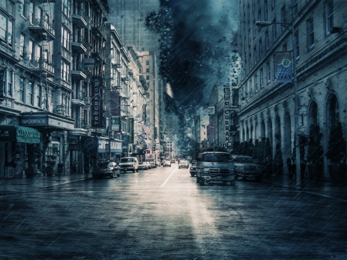 SHtorm dozhd ulitsa Storm rain street 700x524 Шторм, дождь, улица   Storm, rain, street