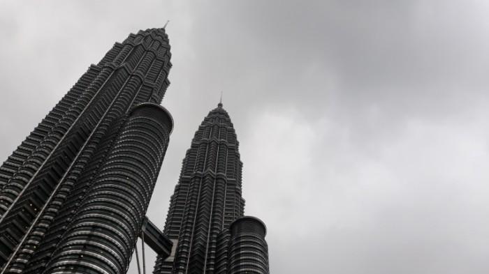 klcc 2935567 700x393 Небоскреб   Skyscraper
