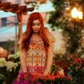 Девушка с цветами - Girl with flowers
