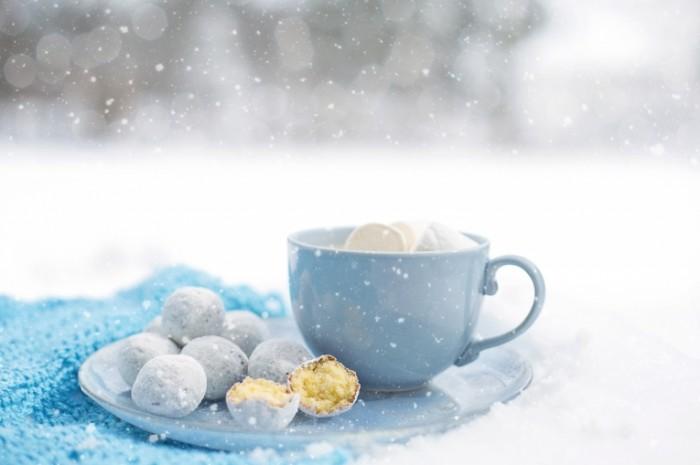 Sladosti zima chashka Sweets winter cup 700x465 Сладости, зима, чашка   Sweets, winter, cup
