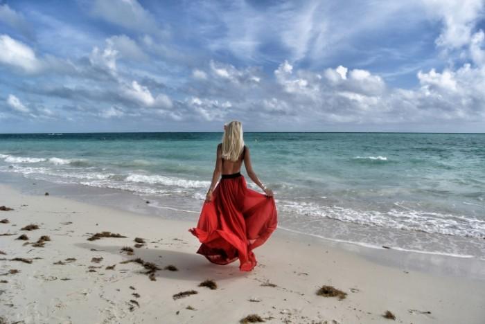 Девушка в красном   Lady in Red