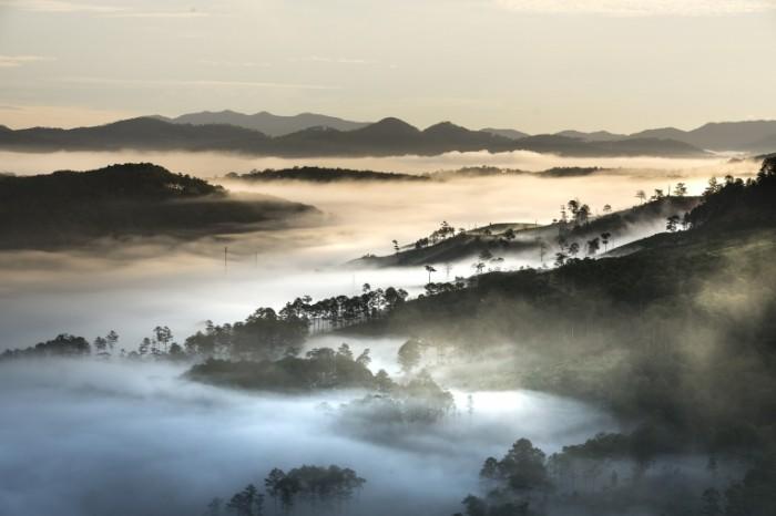 Goryi peyzazh tuman Mountains landscape fog 700x466 Горы, пейзаж, туман   Mountains, landscape, fog