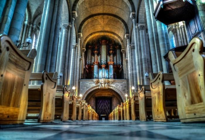 Католическая церковь, орган   The Catholic Church, the organ