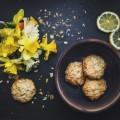 Печенье, нарциссы - Biscuits, daffodils