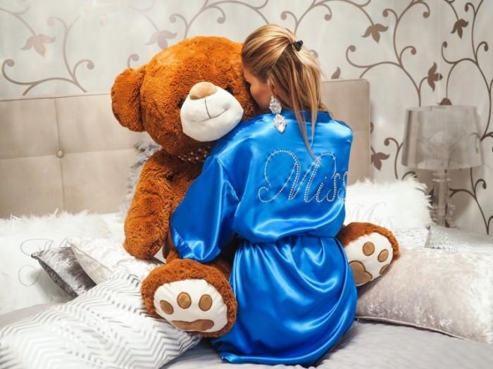 Девушка с плюшевым медведем   Girl with teddy bear
