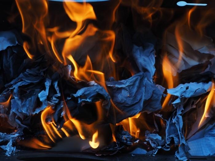 Goryashhaya bumaga Burning paper 4608  3456 700x524 Горящая бумага   Burning paper