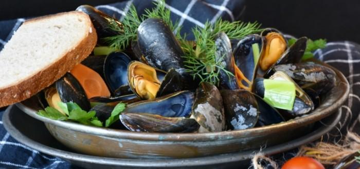 Midii Mussels 5955  2812 700x330 Мидии   Mussels