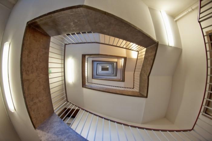 Vintovaya lestnitsa Spiral staircase 6048  4032 700x466 Винтовая лестница   Spiral staircase