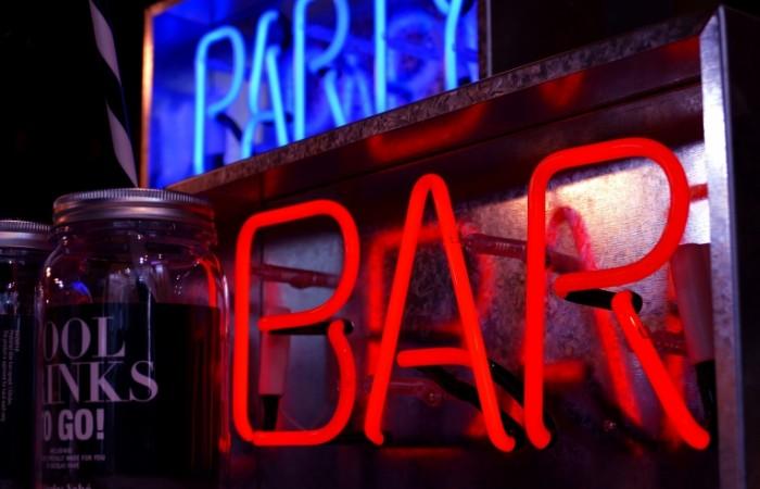 Bar stoyka Bar rack 5127x3301 700x450 Бар, стойка   Bar, rack