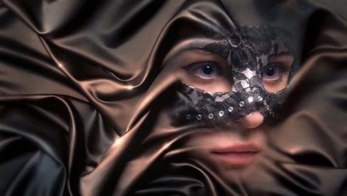 Devushka v maske parandzha girl in a mask a veil 5000  2830 700x395 Девушка в маске, паранджа   girl in a mask, a veil
