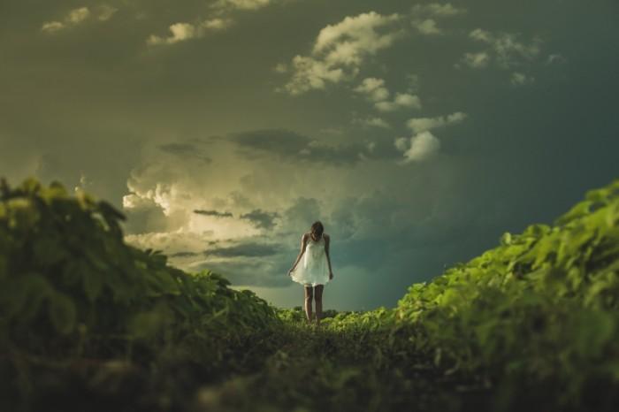 Devushka. pole lug Girl. field meadow 5760  3840 700x466 Девушка. поле, луг   Girl. field, meadow