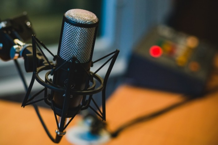 Mikrofon studiya Microphone studio 4837 x 3225 700x466 Микрофон, студия   Microphone, studio