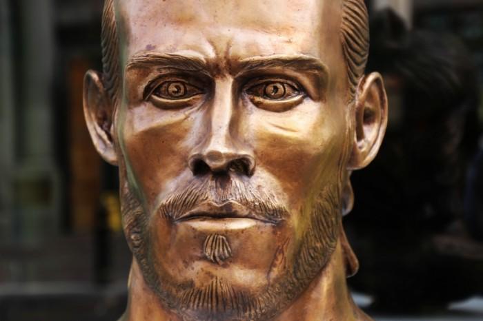 Garet Be`il skulptura bronza Gareth Baile sculpture bronze 5184  3456 700x466 Гарет Бэил, скульптура, бронза   Gareth Baile, sculpture, bronze