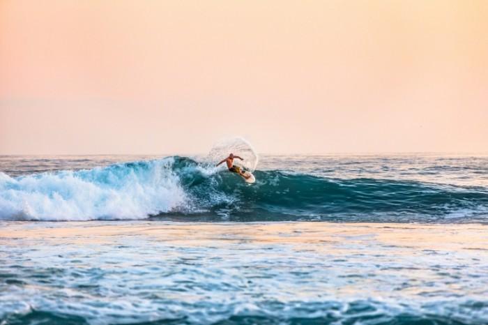 Serfing volna okean Surfing wave ocean 5472  3648 700x466 Серфинг, волна, океан   Surfing, wave, ocean