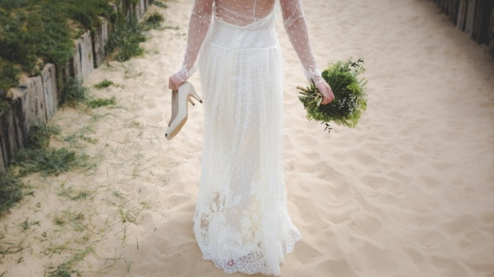 Svadebnoe plate plyazh nevesta Wedding dress beach bride 5178  2913 700x393 Свадебное платье, пляж, невеста   Wedding dress, beach, bride