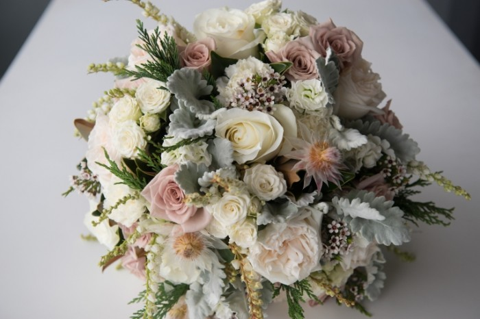 Buket nevestyi svadebnyiy buket Bridal bouquet wedding bouquet 5474  3655 700x466 Букет невесты, свадебный букет   Bridal bouquet, wedding bouquet